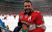 Хоккеист лишился девяти зубов ради победы команды (видео)
