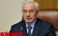 Азаров потребовал от учителей не допустить новой «яичницы»