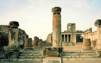 Археологи обнаружили акварельную фреску в Помпеях (видео)