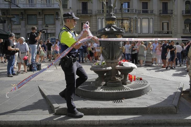 Жертвами теракта вБарселоне стали 13 человек, еще 100 пострадали