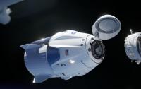 Корабель Dragon від SpaceX прибув на МКС на цілий місяць