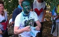 Власенко опознал девушку, которая облила его зеленкой (ВИДЕО)