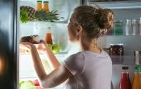 Эксперты назвали семь наихудших вариантов ночного перекуса