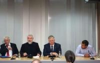 Симоненко: Официальный Киев откровенно манипулирует в своих интересах «временно ослепшей» позицией ЕС