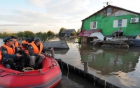 Целый город ушел под воду из-за тайфуна