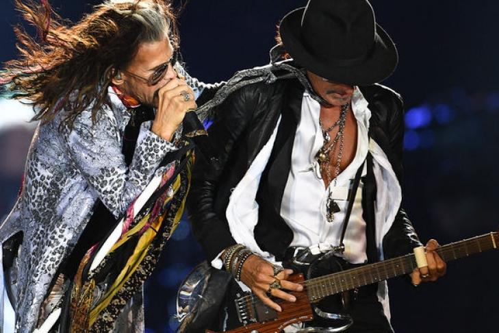 Кусочек истории рок-н-ролла. Гастрольный фургон легендарных Aerosmith обнаружили в лесу