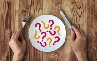 Еда, которая крадет сон: что нельзя есть на ночь