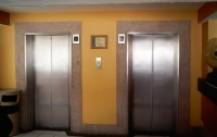 Вор не позволял жителям киевских многоэтажек ездить на лифте