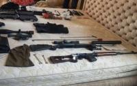 Полиция задержала преступников с большим арсеналом оружия