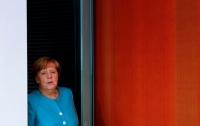 Меркель заявила о невозможности возвращения к G8