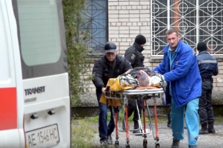 Расстроенный гибелью сына, мужчина подорвал зал суда вНикополе