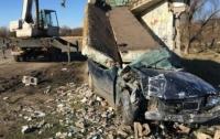Масштабное ДТП: несовершеннолетняя девушка-водитель на BMW снесла остановку