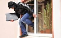 Ограбление по-киевски: зашел в офис и украл ноутбук
