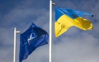 НАТО должен оценить вклад Украины в мировую безопасность, - Порошенко