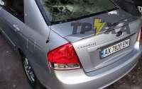 В Харькове пьяный мужчина избил беременную подругу и разгромил авто такси