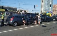 Масштабная авария в Киеве: столкнулись четыре автомобиля
