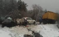 ДТП под Киевом: В жуткой аварии погибли люди