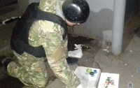 Мужчина с муляжом взрывчатки грабил ломбарды в Запорожской области