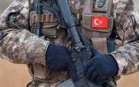Турция перебрасывает военную технику к границе с Сирией