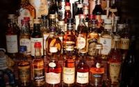 Напротив Лесного кладбища нашли целый склад «паленого» элитного алкоголя