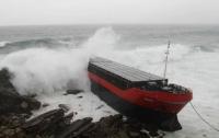 Возле берегов Крыма село на мель комбоджийкое судно с экипажем на борту