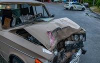 ДТП в Днепре: ВАЗ врезался в маршрутку, много пострадавших