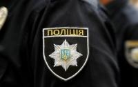 Полицейские устроили детям праздник в центре города (видео)