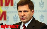 Костусев не захотел отдавать заявление об отставке советнику Януковича