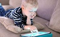 Свет экранов гаджетов нарушает метаболизм