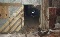 В Киеве горело заброшенное здание завода