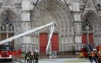 Во Франции горел очередной древний собор
