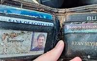 Потерянный кошелек 20 лет пролежал в кустах у паба и вернулся к хозяину