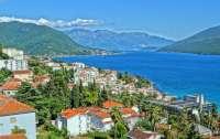 Популярный европейский курорт полностью открылся для украинцев