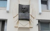Ради «бандеризации» Черновцов БЮТ и НУНС сплясали под дудку «Свободы»