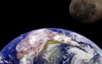 Вчені припустили, що атмосфера Землі охоплює Місяць