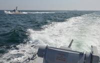 Российский корабль протаранил буксир ВМС Украины в Азовском море