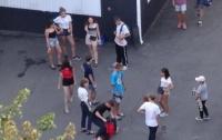 Харьковские подростки поиздевались над девочкой (видео)