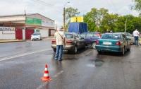 ДТП в Днепре: на перекрестке столкнулись четыре авто