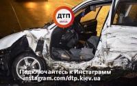 Жуткое ДТП в Киеве: водителя вырезали из авто