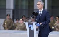 НАТО выступает за политическое урегулирование ситуации вокруг Украины