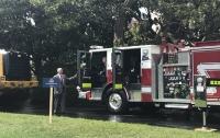 Трамп сел за руль пожарной машины