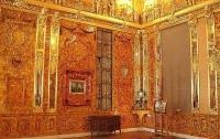 Археологи: Янтарная комната находится в туннеле замка в Польше