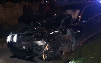 В Запорожье участники ДТП бросили дорогое авто и сбежали