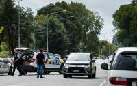 В Новой Зеландии расстреляли людей в мечети, много погибших (видео)