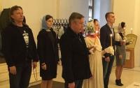 После 15 лет брака Михаил Ефремов обвенчался со своей женой