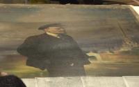 На изнанке портрета Ленина найдено запрещенное изображение Николая II