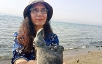 Израильтянка нашла в озере уникальный сосуд возрастом 1500 лет