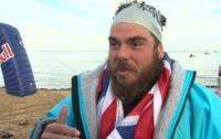Впервые в истории человек преодолел заплыв вокруг Британии (видео)