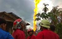 В Индонезии 18 человек погибли при пожаре на нефтяной скважине
