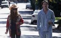 Сын Шварценеггера вышел на улицу в пижаме